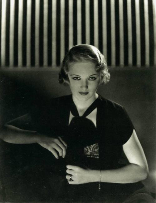 Virginia Cherrill (April 12, 1908 - November 14, 1996)