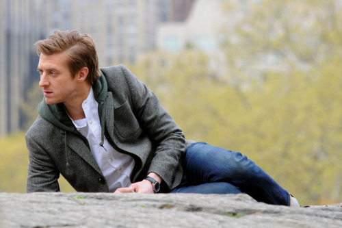 Arthur Darvill on location at NYC for Doctor Who, April 11 Click here for more of the Doctor Who Series 7 shoot in New York City