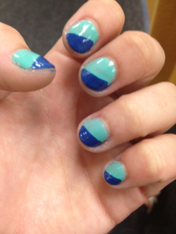 Check out @oliviaownsit 's #coachella nails! Tweet your #coachella nails to @maniplease!