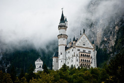 westeastsouthnorth:  Neuschwanstein, Germany