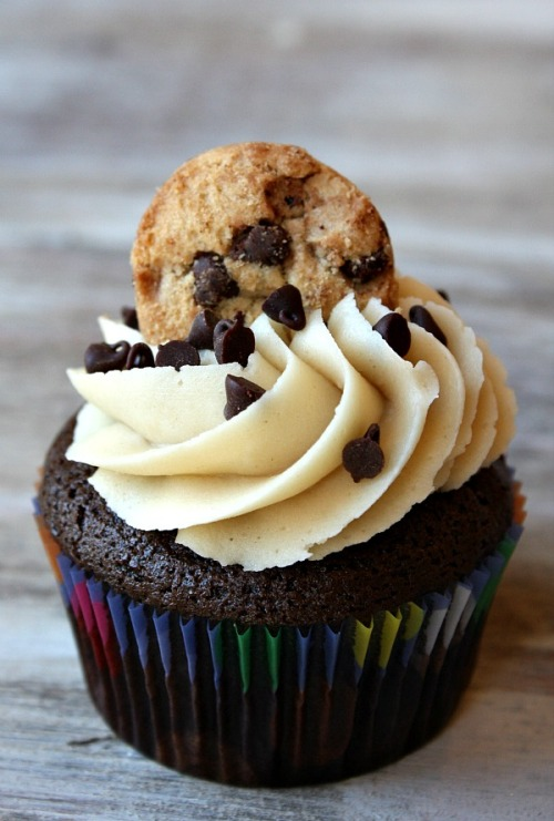 Chocolate Chip Cookie Dough Cupcakes  |  Recipe Girl