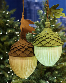 These acorn lamps are adorable!