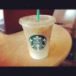 365 Days of Food - Day 111 #food #drink #starbucks #iced #caramel #macchiato  (Taken with instagram)