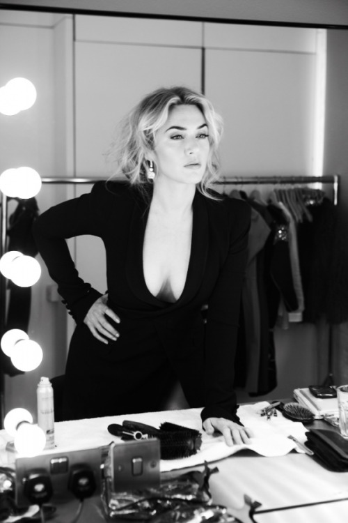 suicideblonde:  Kate Winslet photographed by Gilles Bensimon