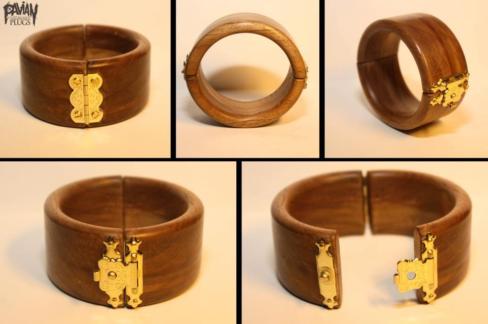 bracelet, out of teak wood. order -> www.facebook.com/pavianplugsorganics
