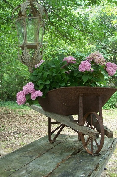 outdoor rustic decor