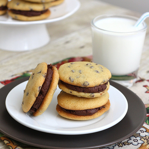 ilufood:  Chocolate Chip Whoopie Pies