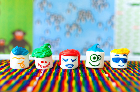 MARSHMALLOW PEOPLE!!   I love how food can be made to have a personality - these marshmallow people are definitely one of my favourites!!