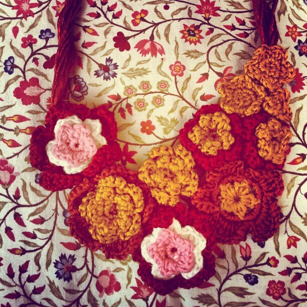 And finally! The Shiny Spring Flowers Collar! (Tomada con instagram)