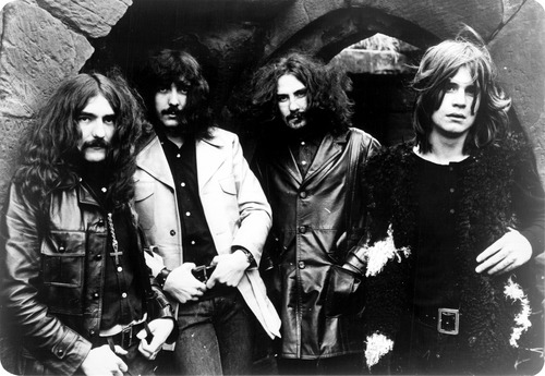 Black Sabbath is a heavy metal band formed in 1968 in Birmingham, Their original lineup consisted of Ozzy Osbourne (vocals), Tony Iommi (guitar), Geezer Butler (bass) and Bill Ward (drums). Black Sabbath is considered the pioneer and one of the first groups to play heavy metal style alongside Led Zeppelin and Deep Purple and also contributed greatly to the development of this type of genre.