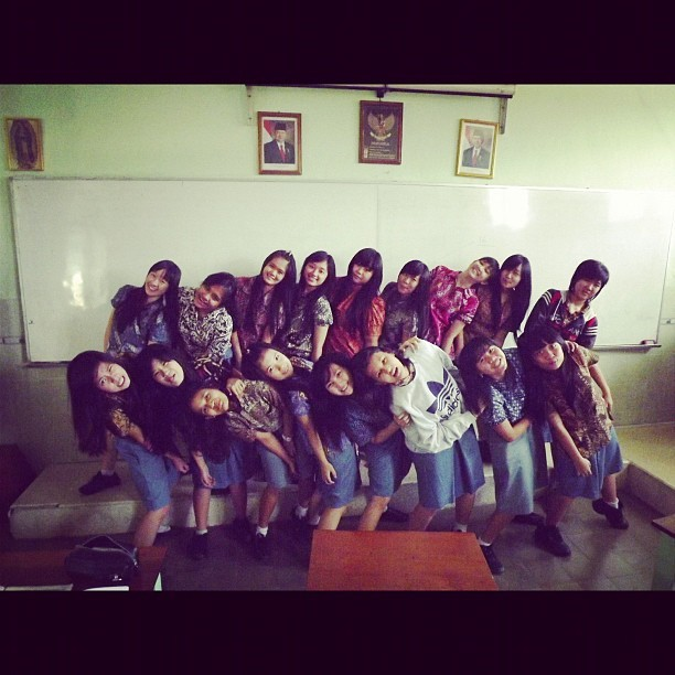 All the girls #classmate #bestfriends #friendship #love #highschool #lastyear #lastday (Taken with instagram)