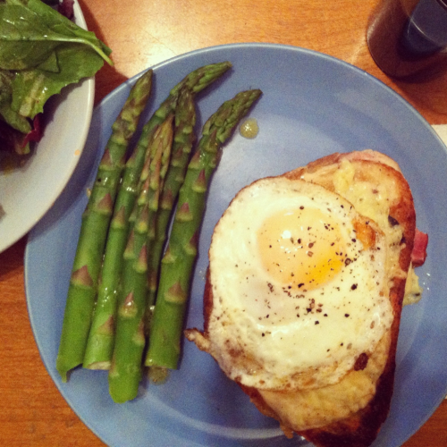We made croque madame for dinner last night.  And i just found out that April is national grilled cheese month  (in the states).  It was a process ti make but very yummy.