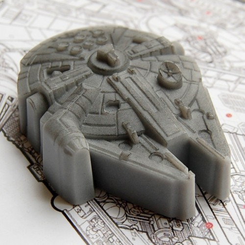 purple-lightsaber:  Why yes, that is Millennium Falcon soap. LOVE. Buy it here.  Very cool unlicensed Millenium Falcon soap.
