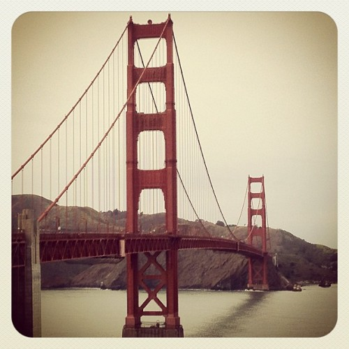 aimerlavie08:  Golden Gate Bridge  The bay