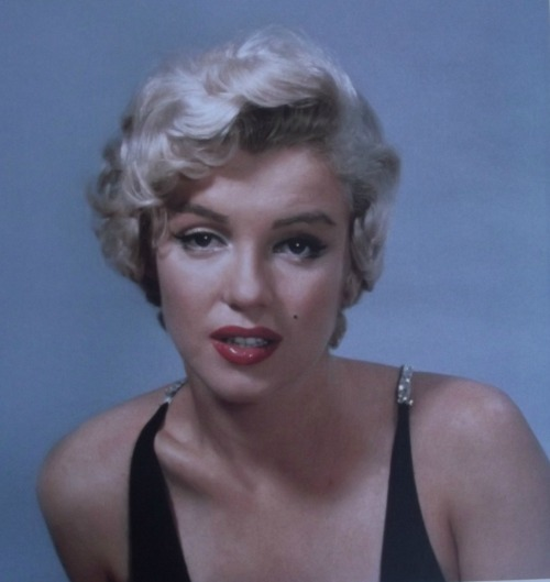 alwaysmarilynmonroe:  Photo shoot for Esquire Mgazine, Philippe Halsman Studio, New York, 1954.