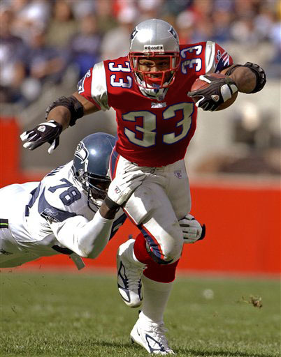 Kevin Faulk wants to come back to Patriots Let me start by saying the above photo is a fan-made photoshop mock up of a red Pats alternate. I've always thought it looked pretty cool. Mary Paoletti of CSNNE reports today that Kevin Faulk is training with a return to the Patriots in mind. Doesn't mean the Patriots want him back, but he's now two full years removed from his ACL surgery which is when most guys are finally back to 100% and with such a young backfield it makes some sense that Faulk could fit in. He is 35, but there's no question his leadership would be a positive. Let's put it this way, unless he's totally lost his speed I'll take Kevin Faulk back on the Pats in any capacity. Make him an offensive assistant for all I care, but the guy is a Patriots legend and one of the final holdovers from the dynasty days. He'll make the 2012 Patriots better in one way or another.
