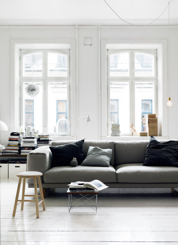 fromscandinaviawithlove:  A home in Sweden. Photo by Petra Bindel.