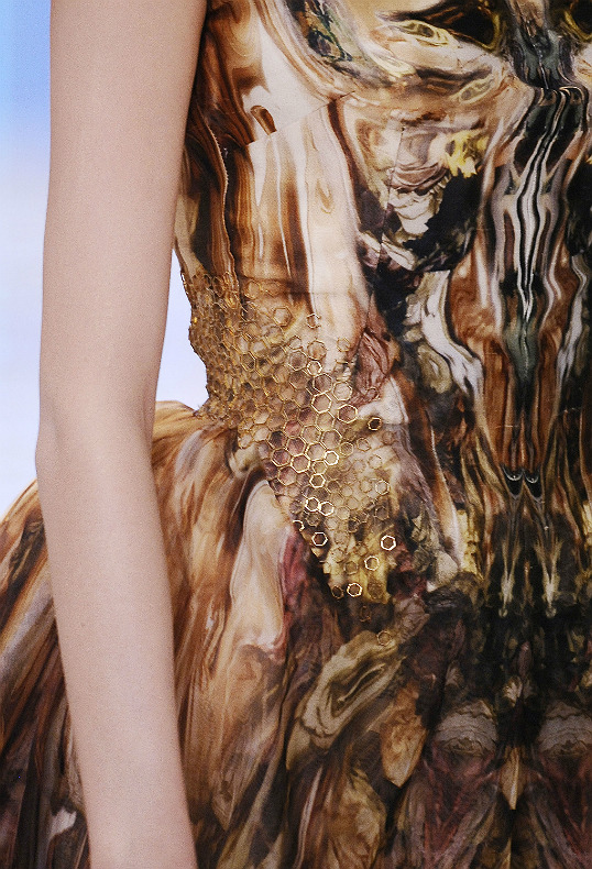 the-moth-princess:  Alexander McQueen