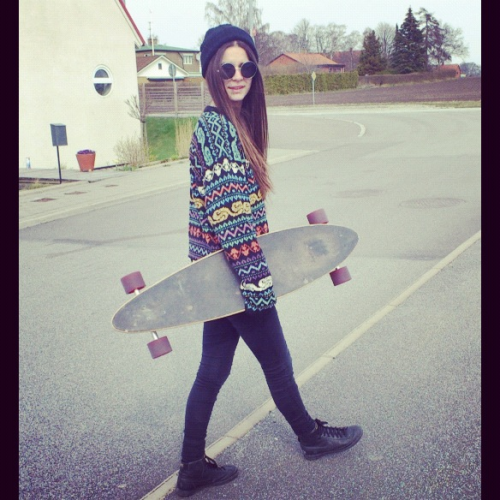 this girl is cute, follow her http://hannakristensson.tumblr.com/