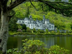 musicforthemorningafter-:  Kylemore Abbey, Ireland.