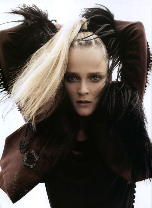 Carmen Kass by Camilla Akrans in Numero Nov06