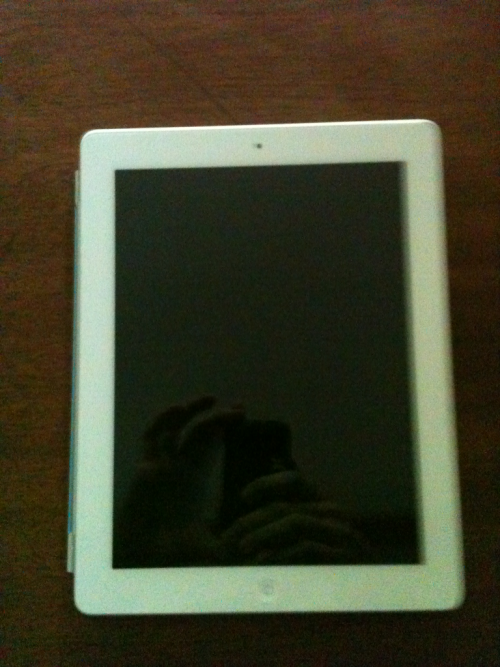yertramahtizingmeh:  I got the new iPad and I don't want this one anymore so I'll just give it away. Its the white 16gb ipad 2 wifi only. You must be following me, yertramahtizingmeh.tumblr.com, and reblog to enter. Ends on april 30th. Any questions? Send me an ask.