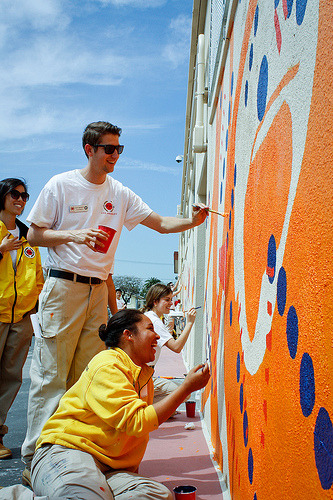 Over 200 City Year Los Angeles corps members were hard at work beautifying the campus of Markham Middle School while students were away on Spring Break. Corps members who serve in 17 schools across Los Angeles came together to positively impact the students at Markham Middle School. Find out what students thought about the transformation when they returned from Spring Break on the City Year LA Blog.