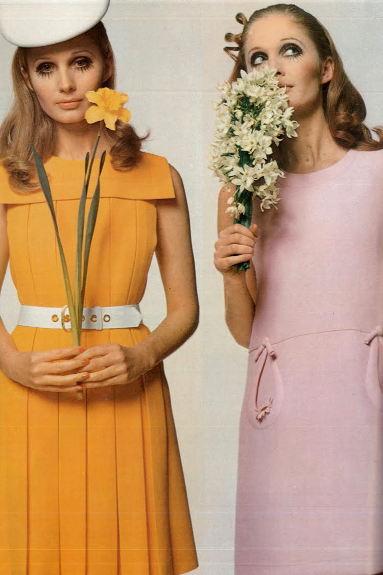 theswingingsixties:  Marisa Berenson and Sue Murray for Vogue Paris, 1968. Photo by by David Bailey.