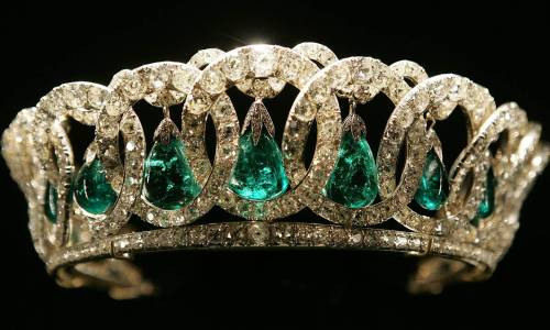 "royal-blog:  Grand Duchess Vladimir Tiara with Emeralds ""This tiara was purchased by Queen Mary in 1921 from the collection of theGrand Duchess Vladimir, aunt of Tsar Nicholas II, for whom it was made in the 1880s. It comprises 15 intertwined diamond-set ovals from which hang pendant pearls. The pendant pearls can be interchanged with emeralds and The Queen has worn the tiara with both arrangements during her reign."""