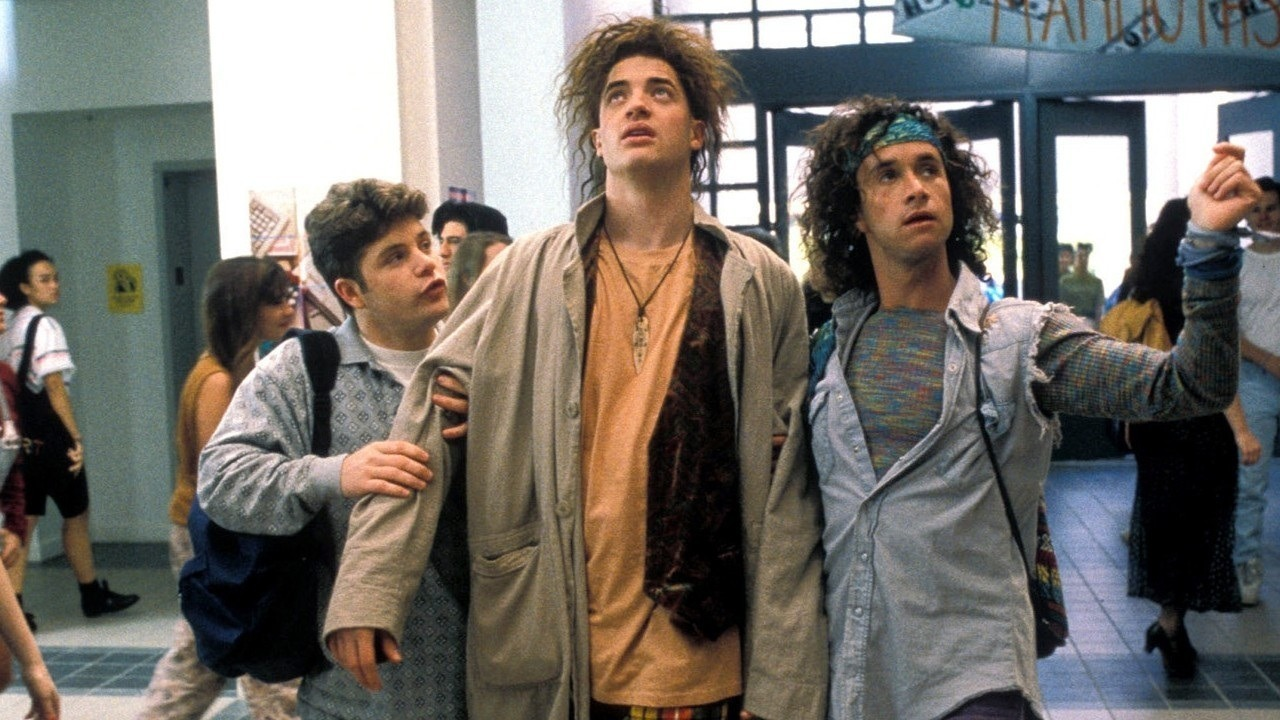 wormy-interludes-of-the-nebula:  Encino Man - I watched this over and over and over as a little kid! :P