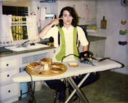 snow-blind:  radiati0n:  Johnny Depp making grilled cheese sandwiches with an iron.  sure, and why not?