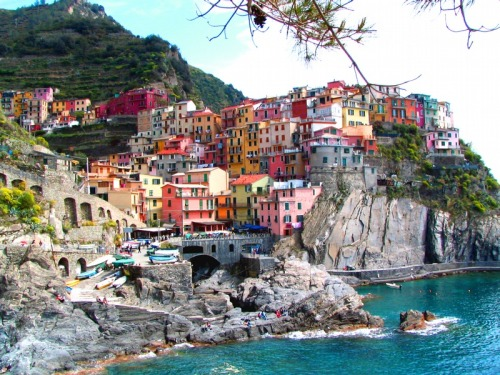 youbluemymind:  cinque terre is so pretty