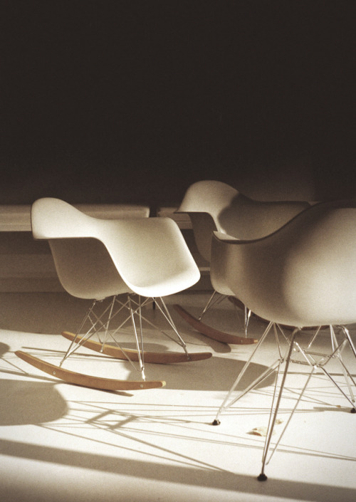 Eames Molded Plastic Armchair, Rocker Base:In the 1940s, Charles and Ray Eames were looking forward while other American designers were content to stay put. New materials, new techniques, new shapes—these were what interested the Eameses.The designers were focused on the new plastics because this exciting material held the promise of being able to do more with less. They realized that plastic could be molded into organic shapes that would conform to the shape of the body.