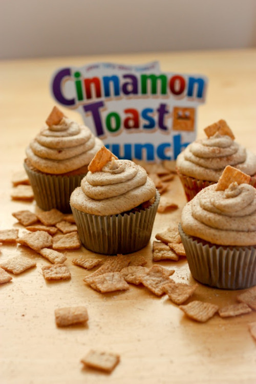 Things that will make you fat: Cinnamon Toast Crunch cupcakes Ooooh they look so fucking good. Via