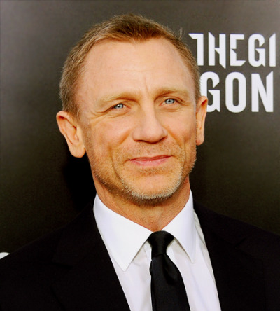 thedanielcraigfixation:  Daily Dose of Daniel  hey bb