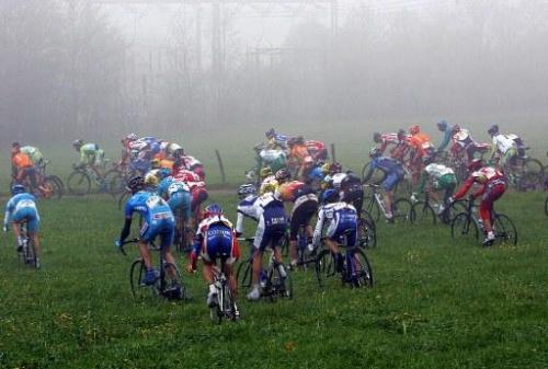 Riders go off-roading to avoid crashes in the 2005 Amstel Gold Race Photo: © AFP Photo (via Riders Go Off-roading To Avoid Crashes In The 2005 Amstel Gold Race Photos | Cyclingnews.com)