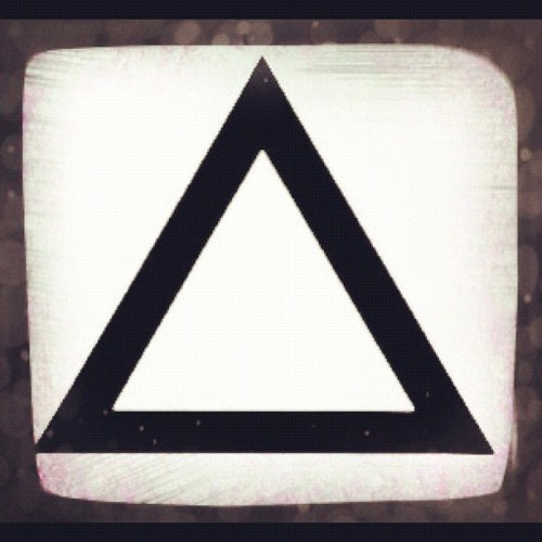 kaythxbaihopeudie:  Some new triangle edit!;) #triangles #hipster #three (Taken with instagram)