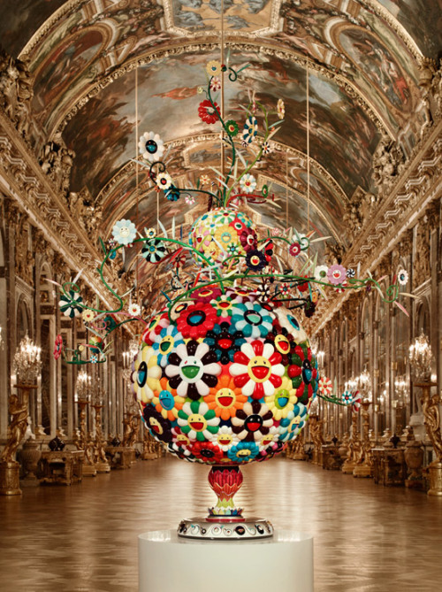 virtual-wanderlust:  Flower Matango- Takashi Murakami at Versailles GORGEOUS