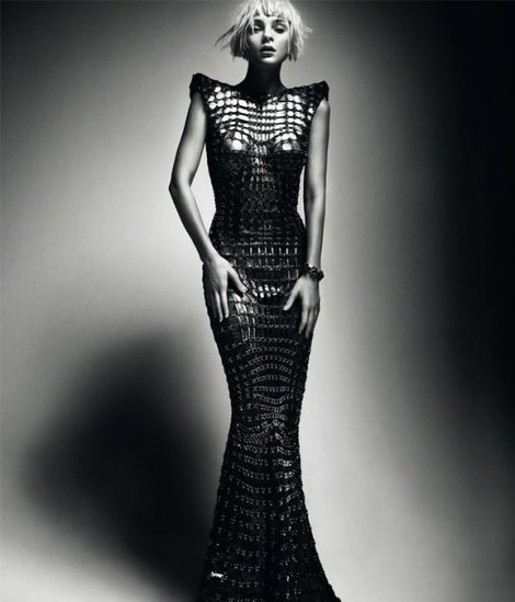 THE 60'S REVIVAL: PACO RABANNE SS12.