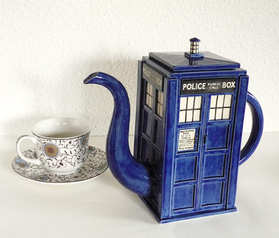 notfrom-mars:  THINGS WHOVIANS SHOULD HAVE A teapot that's bigger on the inside!
