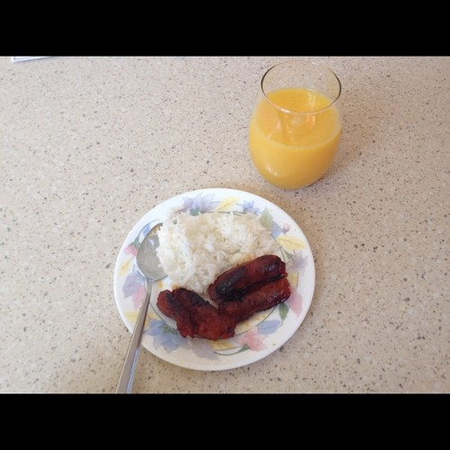Lonely breakfast😞 #rice #orangejuice #asian #food #plate #lonely #nofriends #breakfast (Taken with instagram)