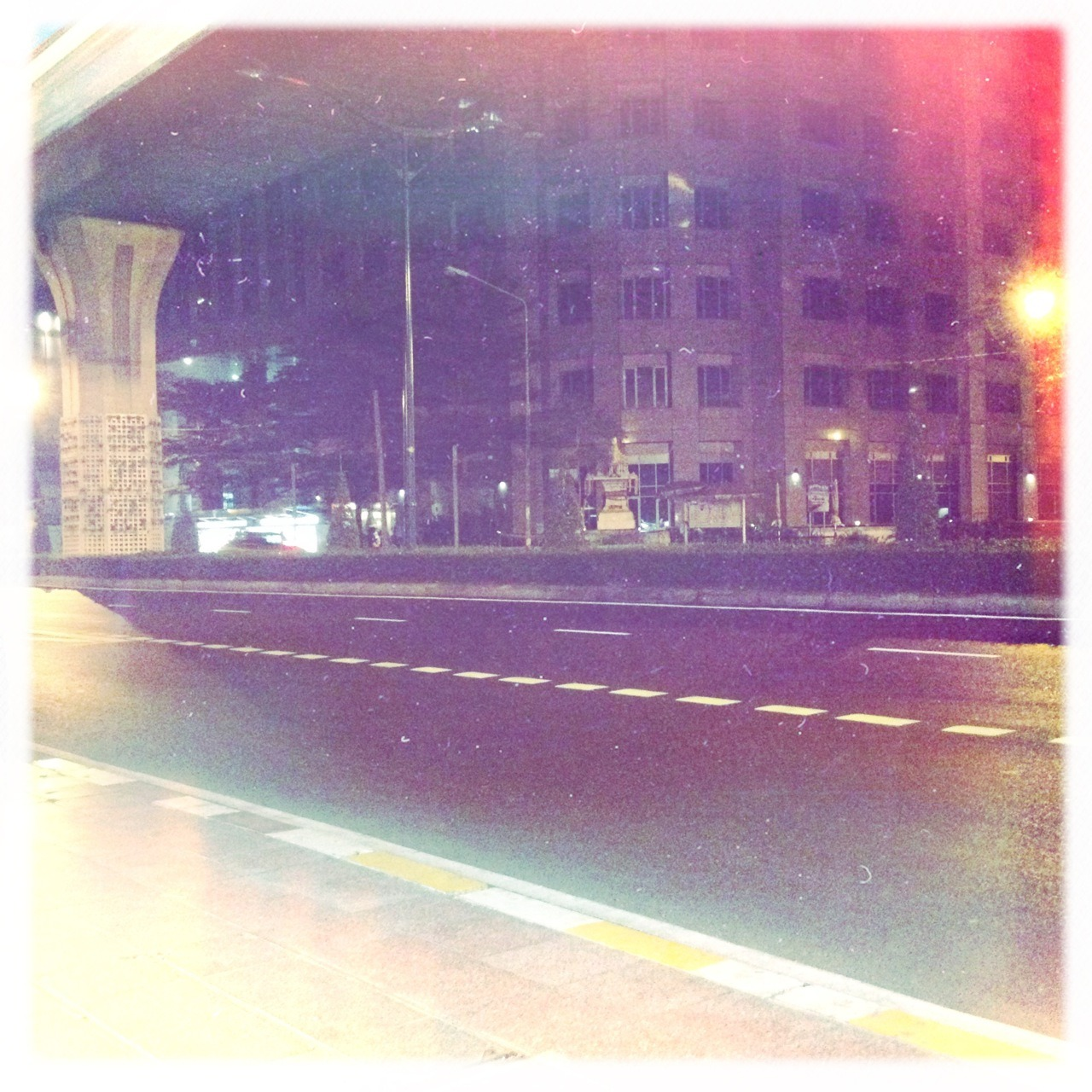 #empty #street #songkran #bangkok Bettie XL Lens, Ina's 1935 Film, No Flash, Taken with Hipstamatic