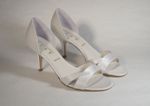 Staple by Something Blue8 cm. heel height. Dyeable ivory satin. Sizes 36-39.