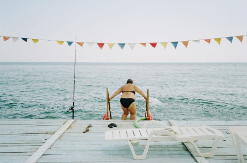dreaming of summer lake swims. mpdrolet:  Elif Tanman