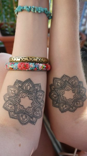 fuckyeahtattoos:  matching tattoos