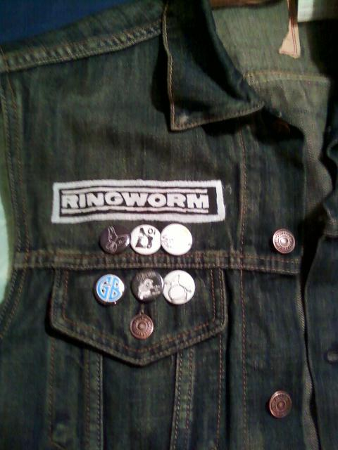 rilokersed:  This is new.     nice upside down ibexxebi pin .tight. i didn't notice the other one.