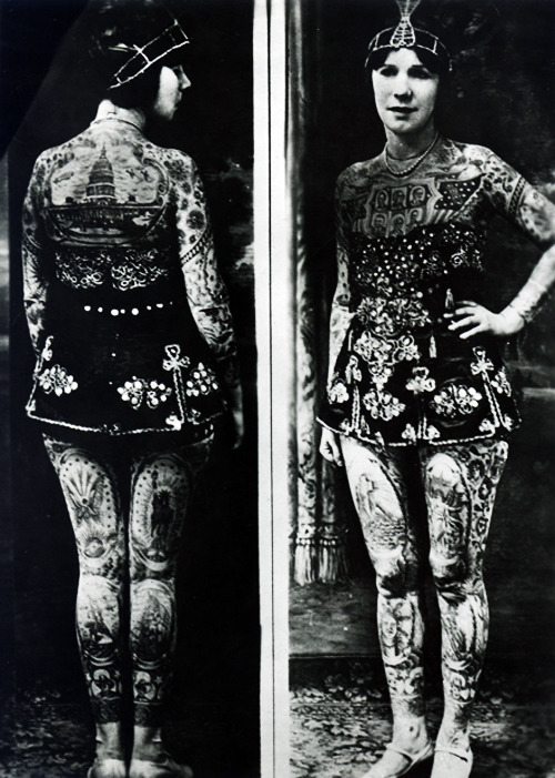 vintagegal:  Lady Viola, whose real name was Ethel Martin Vangi, was tattooed in the late 1920s and worked until she was 73, when she retired from the Thomas Joyland show.