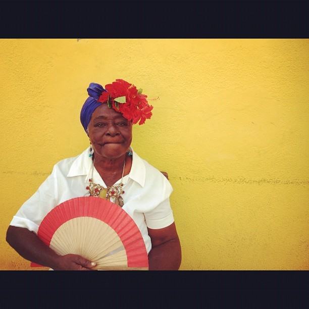 ..Guess where I am! #portrait #woman #flowers #cool #folklore #cuba #havana #igers #igersitalia #igerslondon #igersnyc #travel #journey (Taken with instagram)