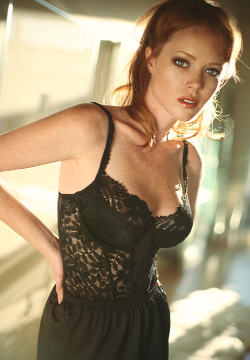 Redhead of the Day: Aja Warren. Marry me.