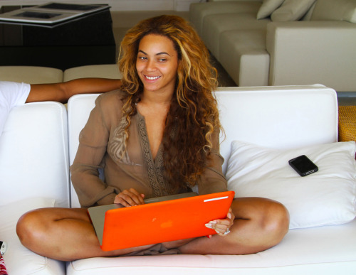 I like the very curls Beyonce :D